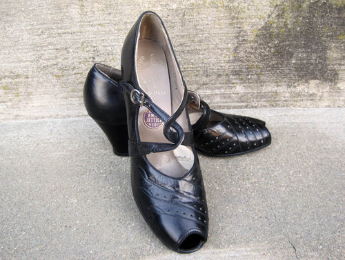 1930s Art Deco Enna Jettick Black Leather Mary Jane shoes pumps