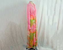 Load image into Gallery viewer, 1970s Vanity Fair Robe Pink Flower Power Maxi Robe Long Sleeve
