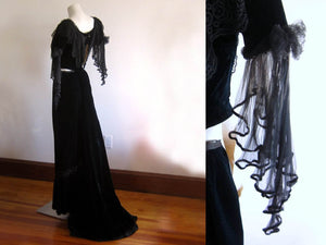 Belle Epoque velvet gown 1900s, midnight blue silk velvet, silk chiffon, metal soutache