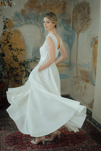 Load image into Gallery viewer, ANITA WHITE LINEN MAXI DRESS