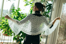 Load image into Gallery viewer, HAAPSALU SCARF WITH INVERTED LILY-OF-THE-VALLEY PATTERN IN WHITE