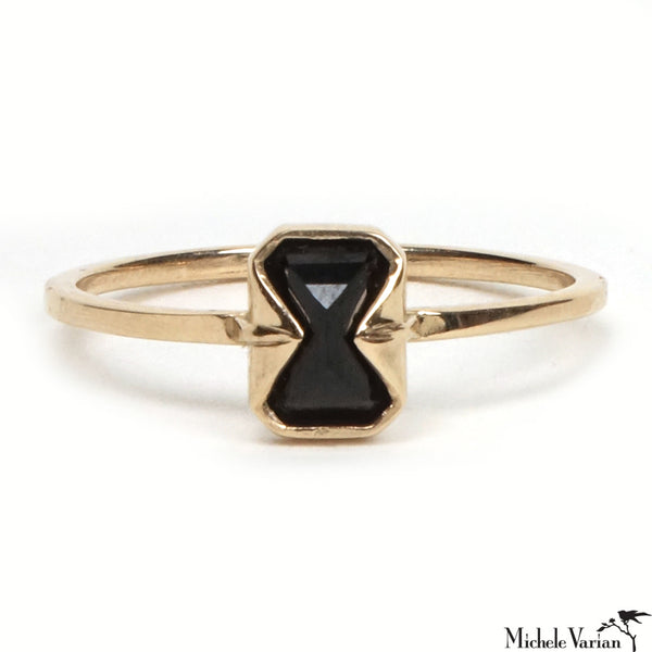 Black Spinel Muse Ring