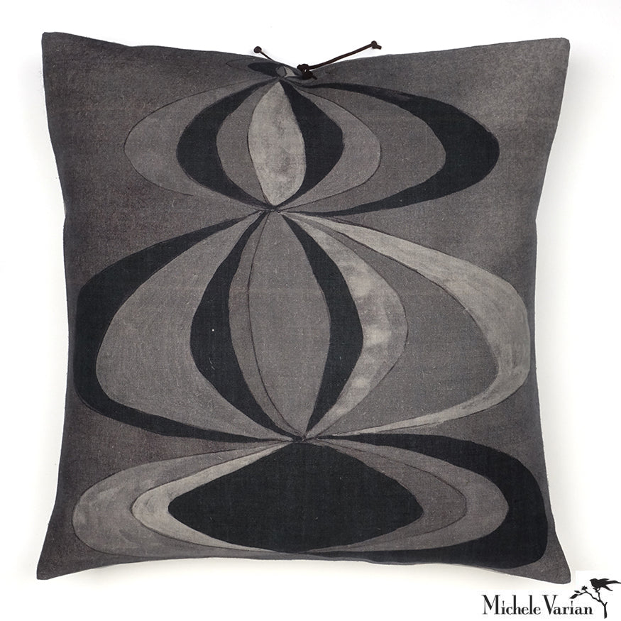 Printed Linen Pillow Concentric Black White 22x22