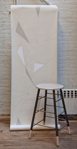 DecoPrism Wallpaper in White and Stone on Snow