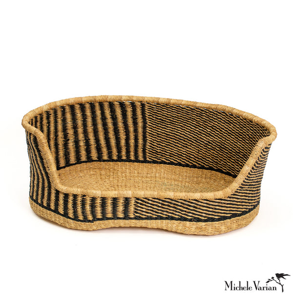 Small Black Patterned Woven Grass Pet Bed 24 inches wide