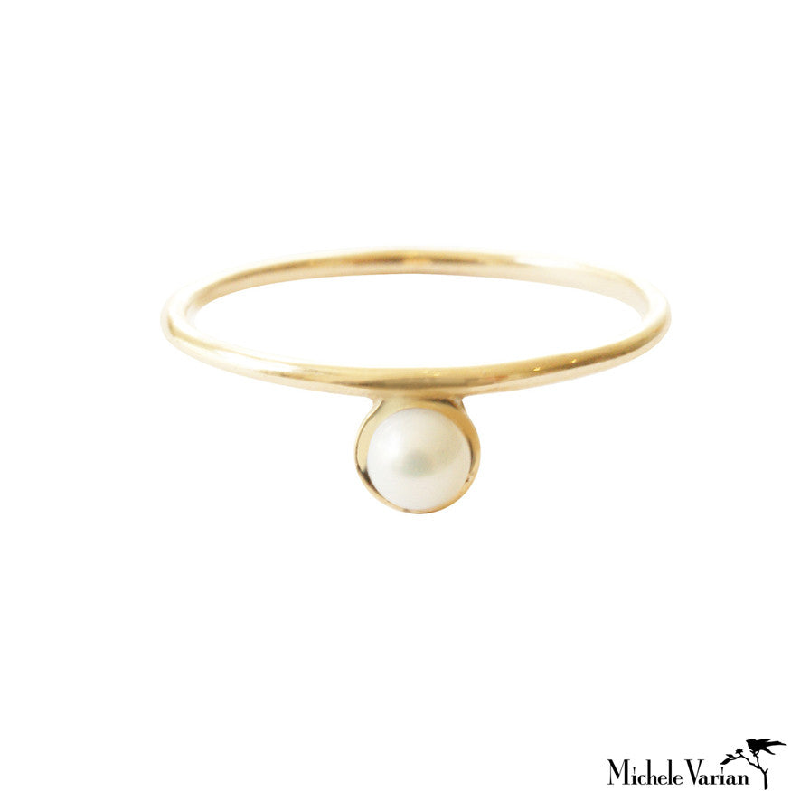 Single Pearl Gold Ring