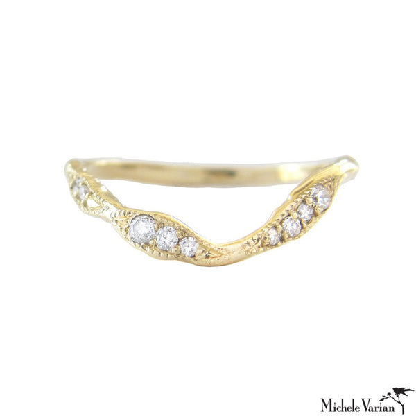 Gold and Diamonds Ribbon Ring
