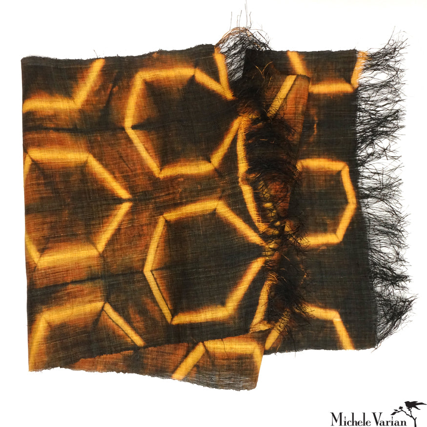 Raffia Panel Fold Gold & Brown Hexagon Pattern