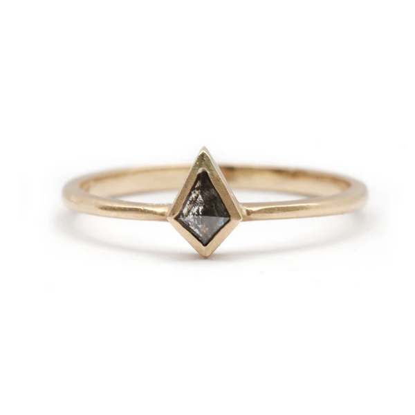 Vertical Kite Shaped Grey Diamond Gold Ring