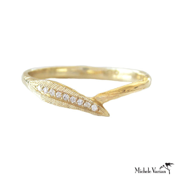 Diamonds Encrusted Ti Leaf Gold Ring