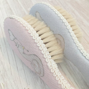 Little Swan Princess Hairbrush