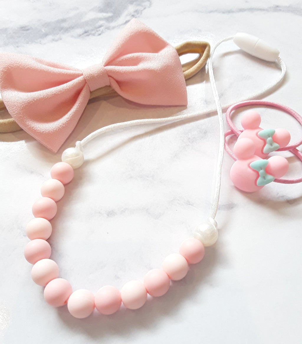 Girls silicone necklace - pink and pearl