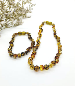 Green Baltic Amber necklace and bracelet set