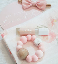 Load image into Gallery viewer, Rose Quartz & Marble Silicone & Beechwood Teething Ring