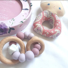 Load image into Gallery viewer, Mauve Silicone & Beechwood Teething Rattle