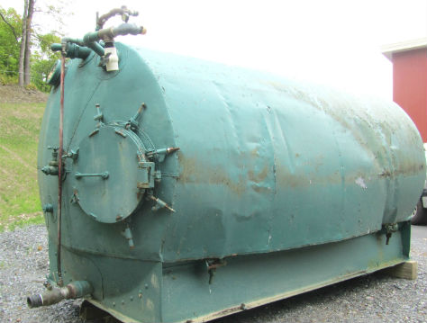 3,000 Gallon Glass Lined Horizontal Vacuum Tank w/Manhole on One End (painted outside)
