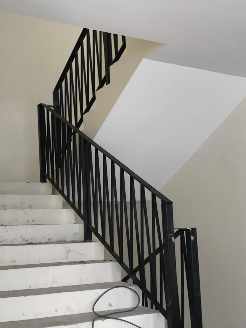 SR005 - Naturalistic Criss-Cross Partitioned Staircase Railings - Metal and Aluminium Fabrication