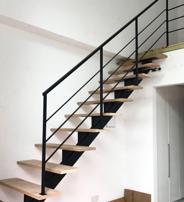 SR002 - Straight-Cut Thin Bar Staircase Railings - Metal and Aluminium Fabrication