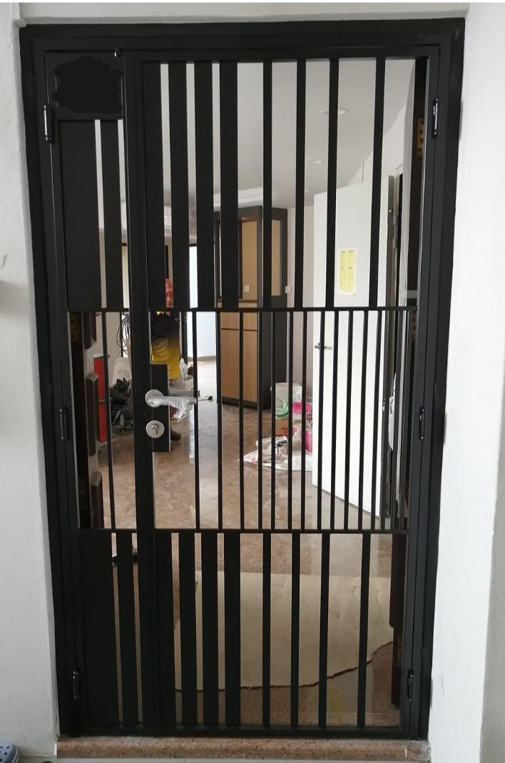 HDB Metal Gate - SH028 Modern Vertical Gradient-Grilled - Metal and Aluminium Fabrication