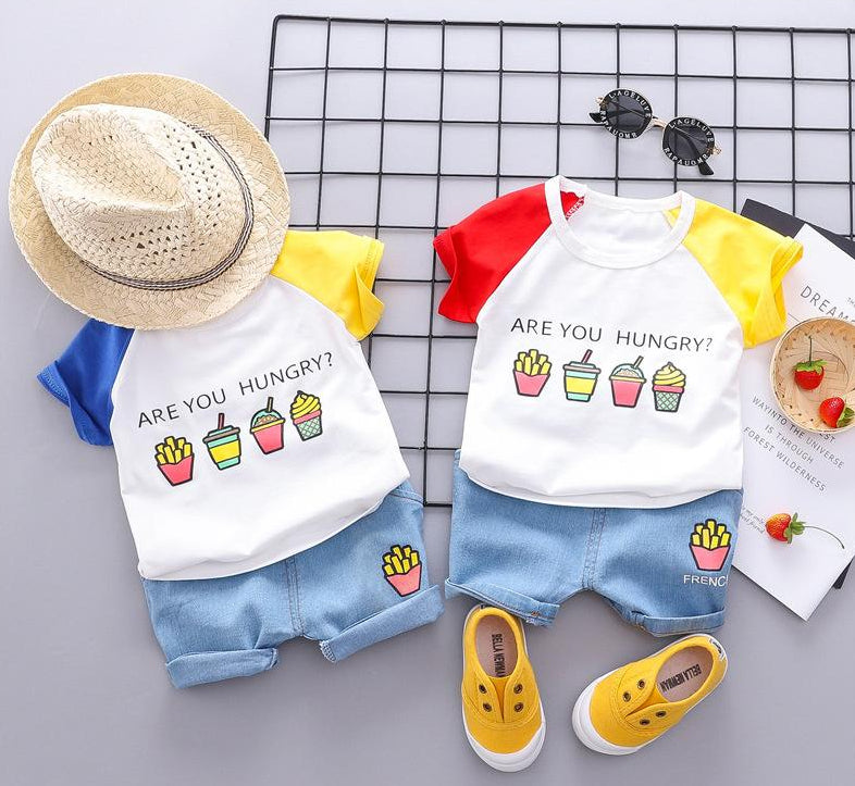 Set Children's short-sleeved and t-shirt shorts two-piece