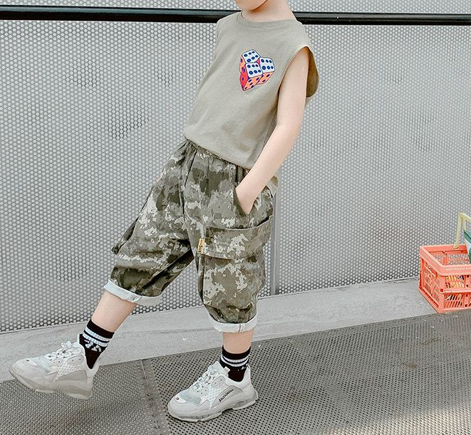 Sleeveless vest camouflage pants casual