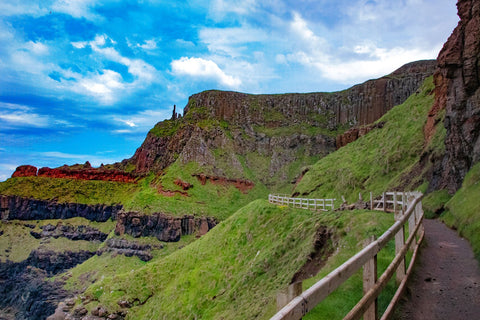 The pathway up the cliff towards Giants Causeway