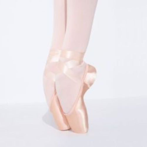 Airess Pointe Shoe with #7.5 Shank and Tapered Toe Box