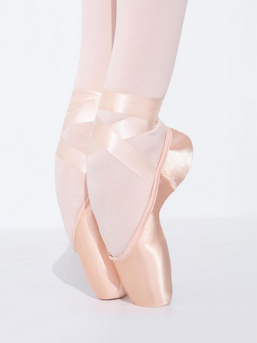 1133 Airess Pointe Shoe with #5.5 Shank and Tapered Toe Box