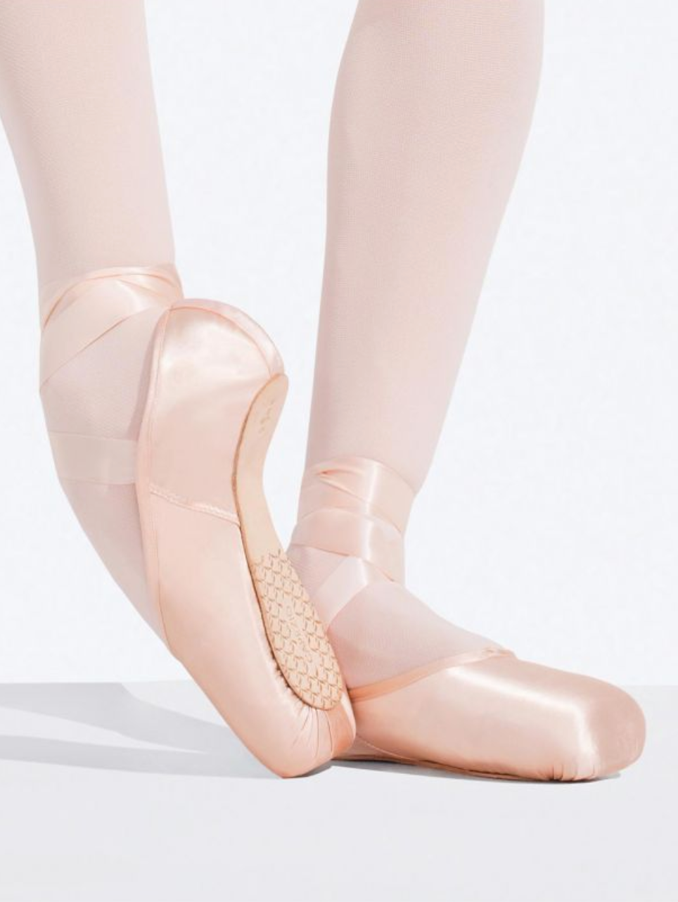 1142W Ava Pointe Shoe with #2.5 Shank and Broad Toe Box