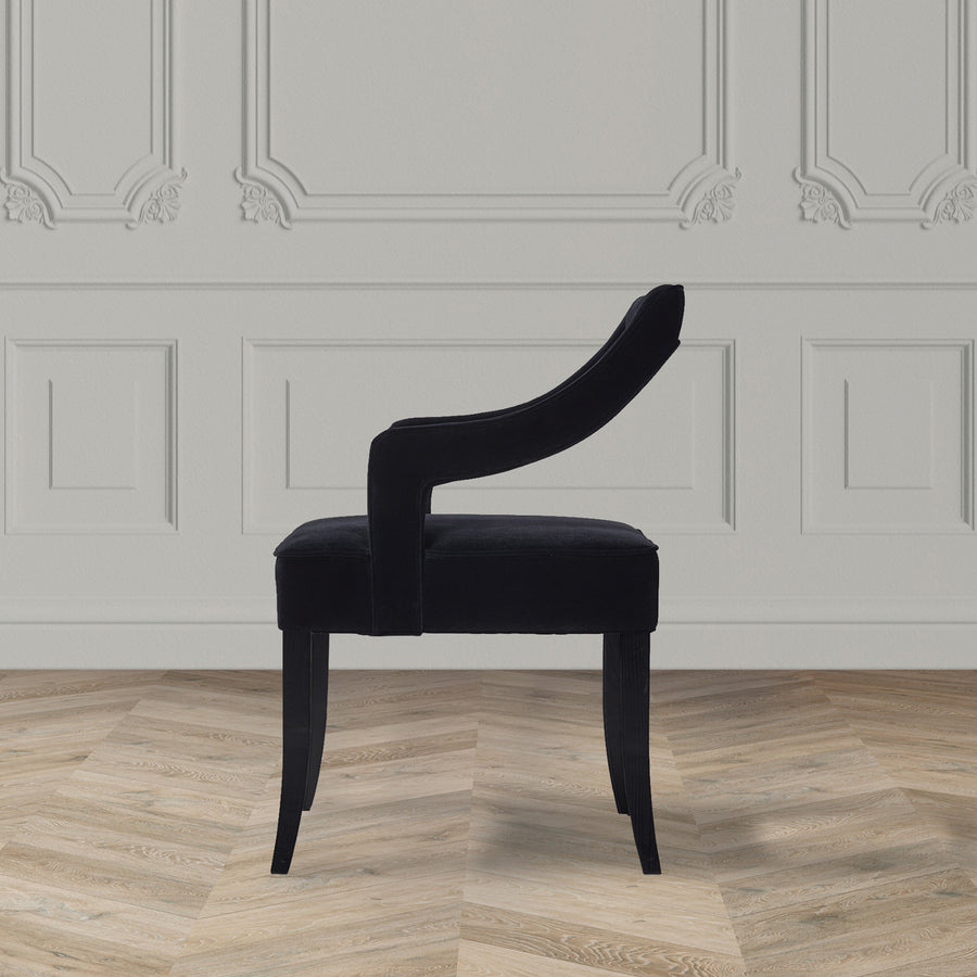 THE DAUPHINE CHAIR
