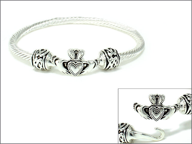 Claddagh Bangle