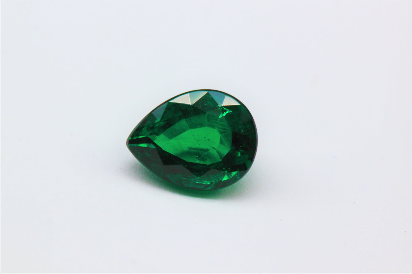 8.3x6.45mm Pear-Shape Emerald Certificated (EMP86C)