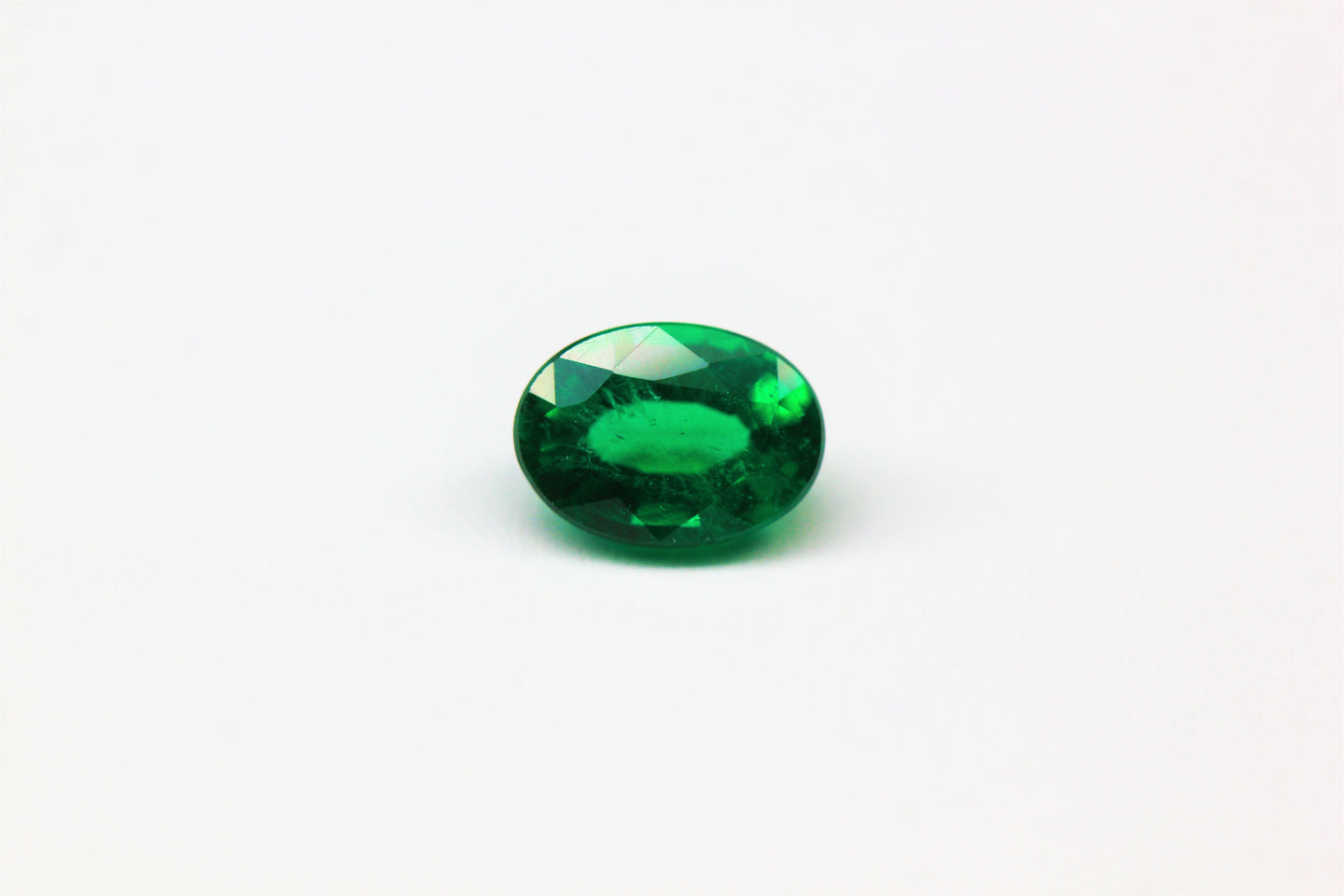 6.9x5mm Oval Emerald (EMV75X)