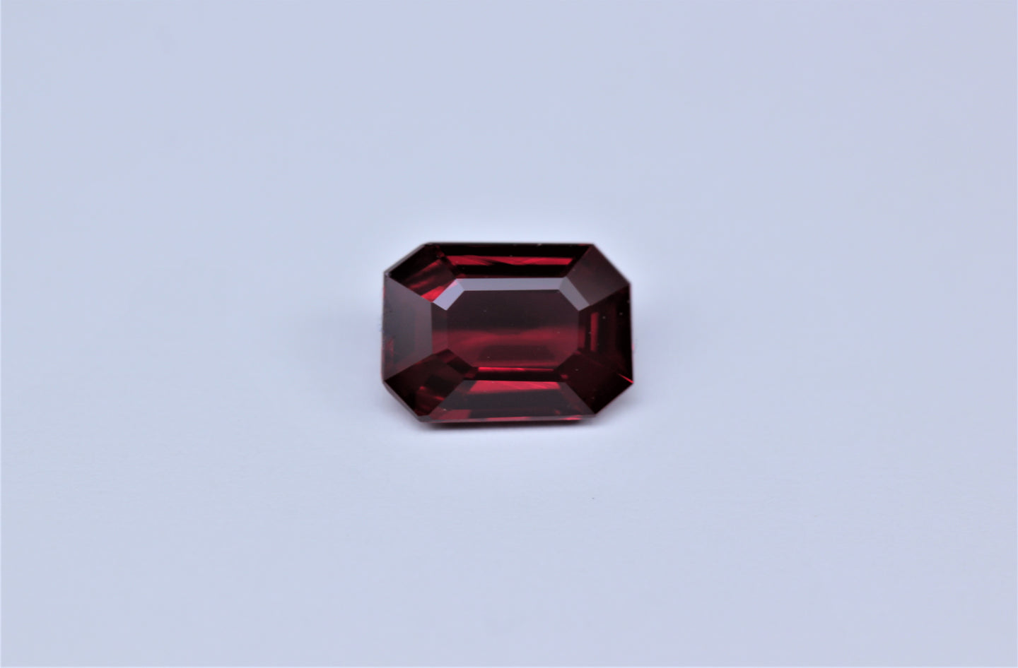 [SOLD] 6.94x4.98mm Octagonal Ruby Certificated (RUE75AAX)