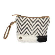 Load image into Gallery viewer, Chevron Pouch