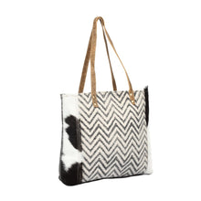 Load image into Gallery viewer, Cheveron Design Tote Bag