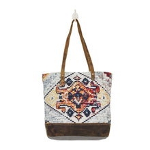 Load image into Gallery viewer, Hiawatha Tote
