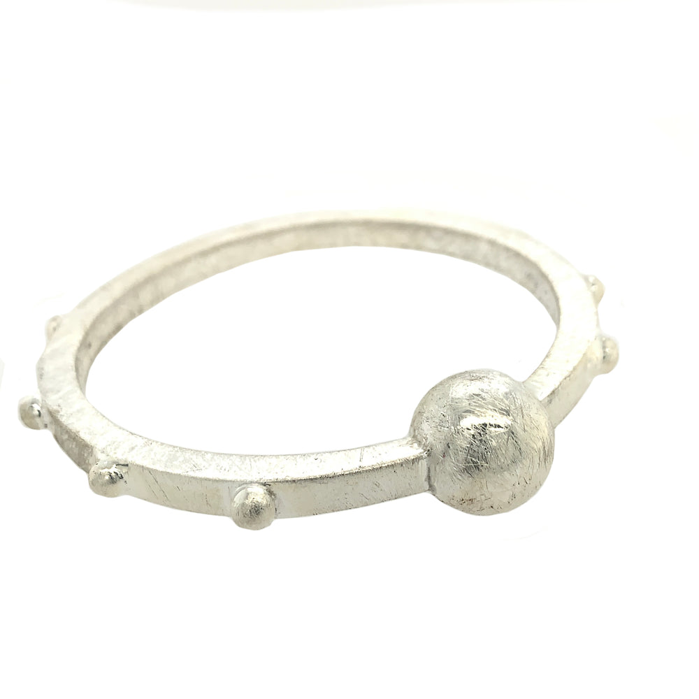 STERLING SILVER BEADED ROUND BANGLE