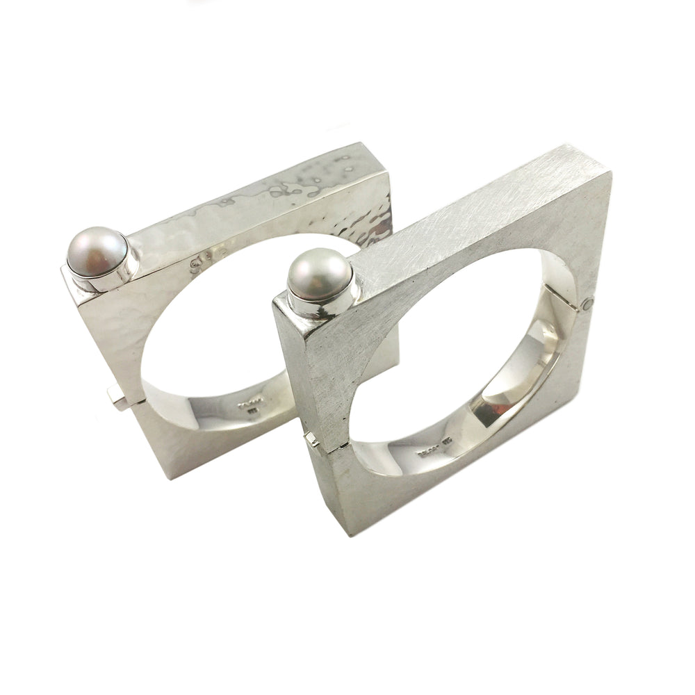 STERLING SILVER FRESH WATER PEARL SQUARE BANGLE