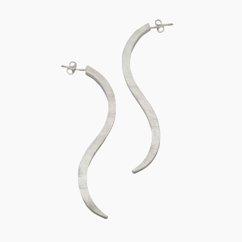 STERLIG SILVER S POST EARRINGS