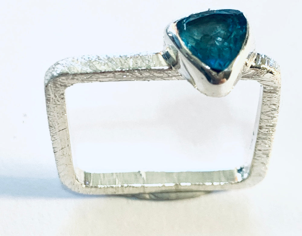 STERLING SILVER  GEMSTONE SQUARE RING
