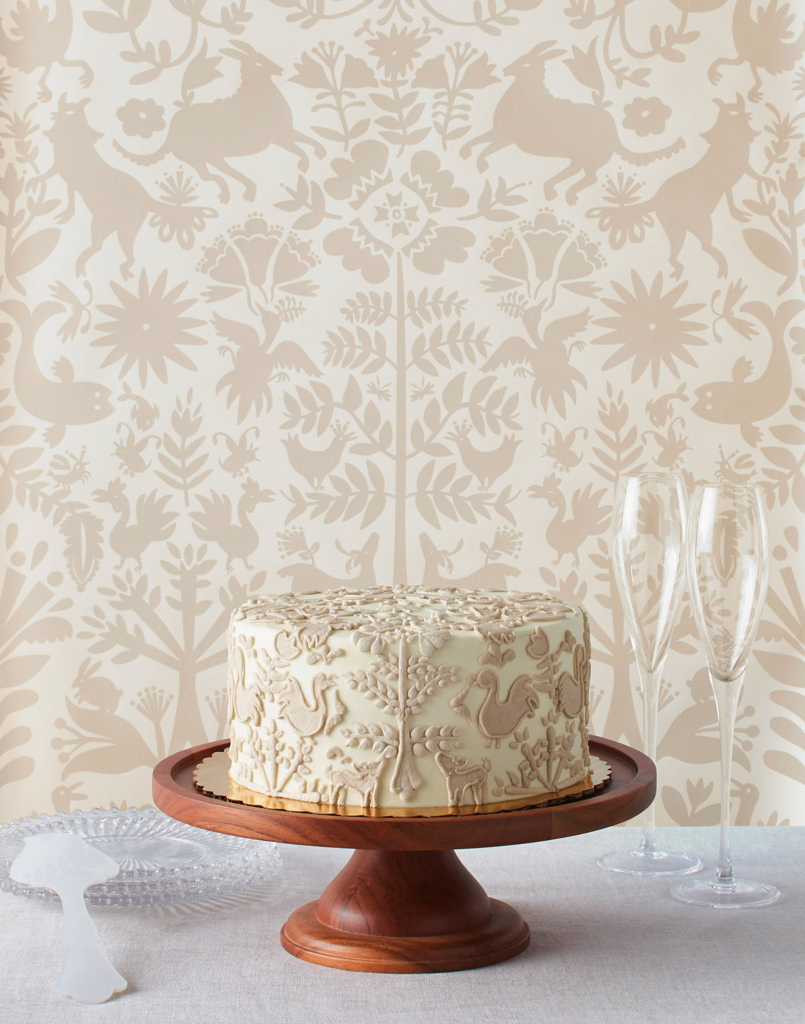 Otomi (Taupe) wallpaper + Otomi cake | Hygge & West