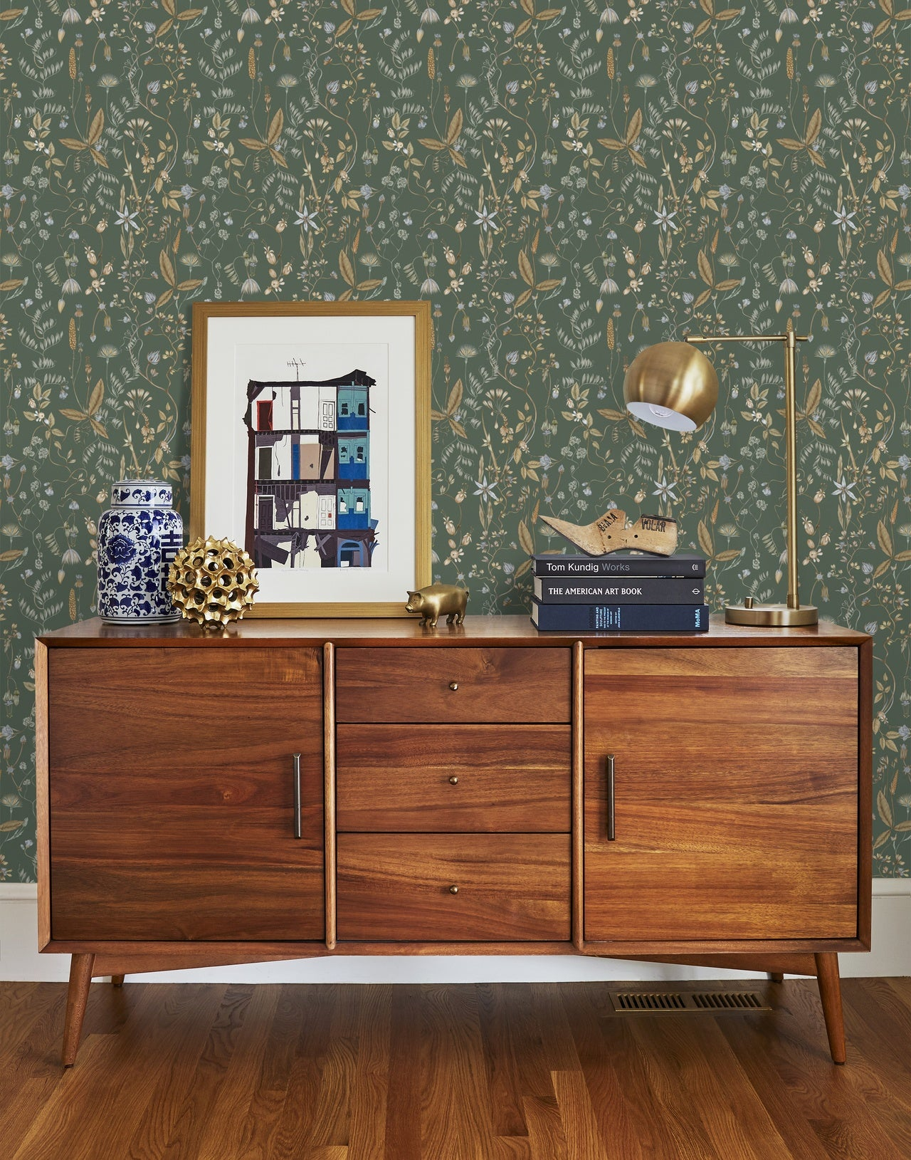 Sonoma Fern wallpaper | Lisel Jane Ashlock collection | modern floral wallpapers and murals | Hygge & West