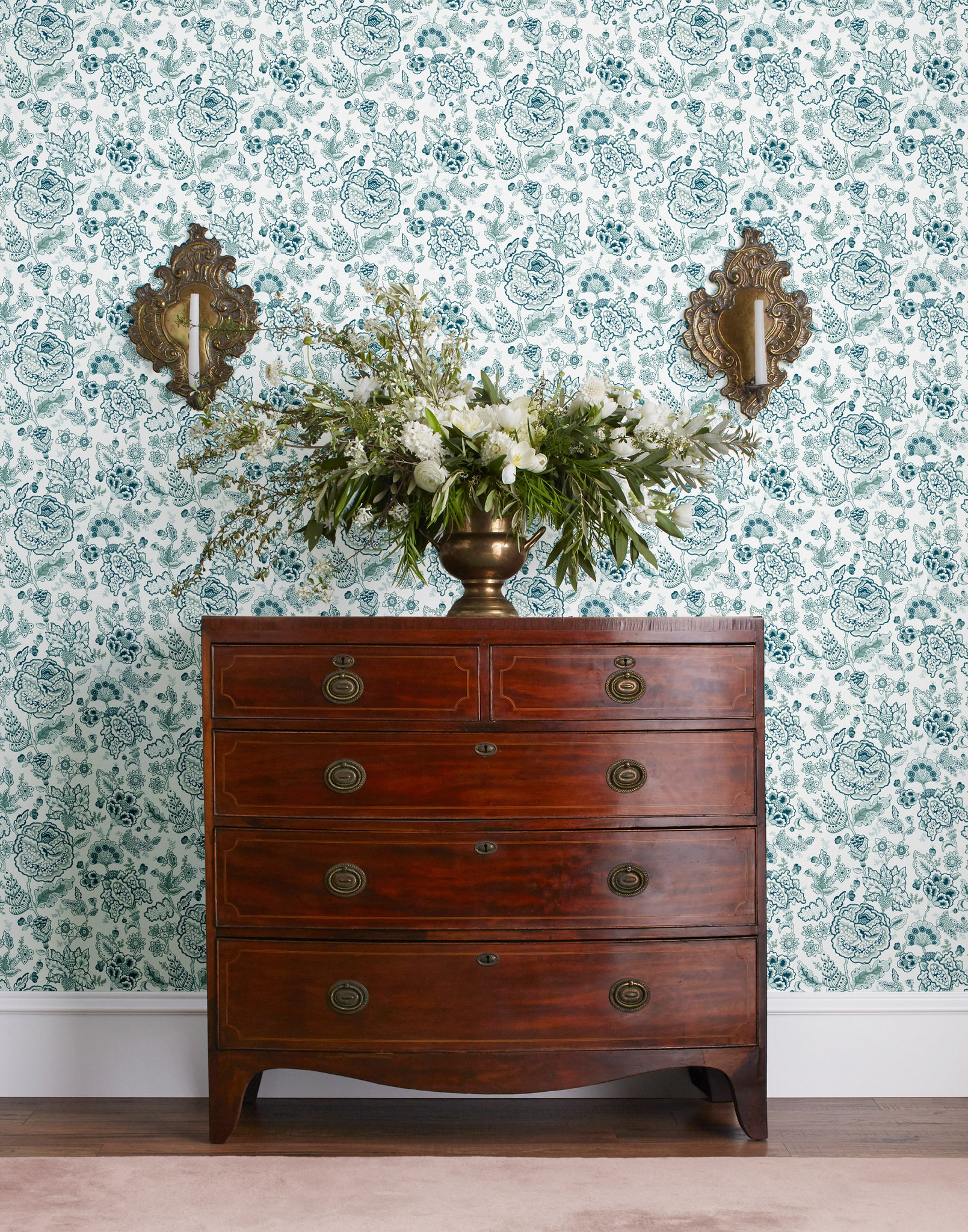 Tilton Fenwick Florebela (Laurel) Wallpaper
