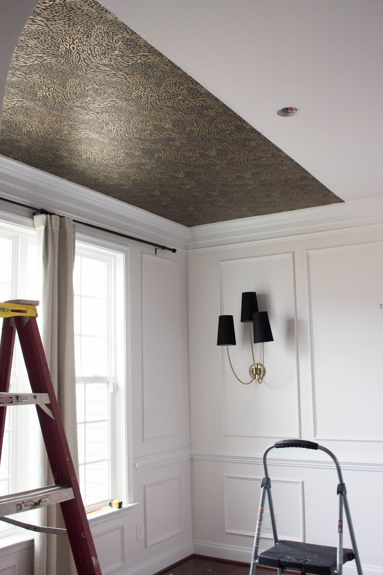 Forest Floor (Ebony) | Wallpapered Ceiling | Hygge & West