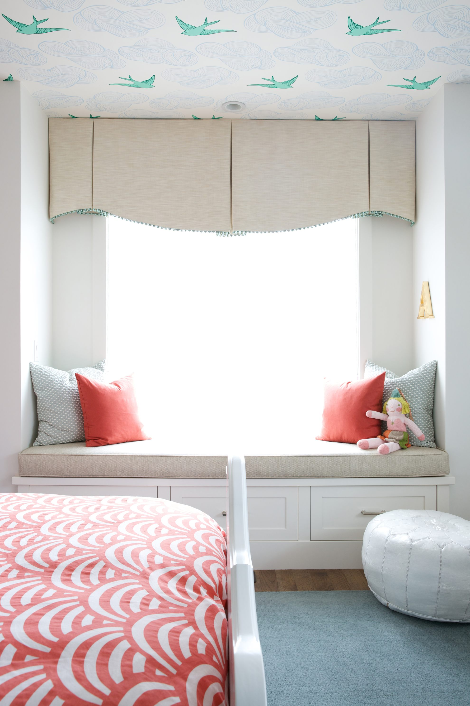 Bedroom by Reena Sotropa In House Design Group featuring Daydream wallpaper in Green by Julia Rothman for Hygge & West