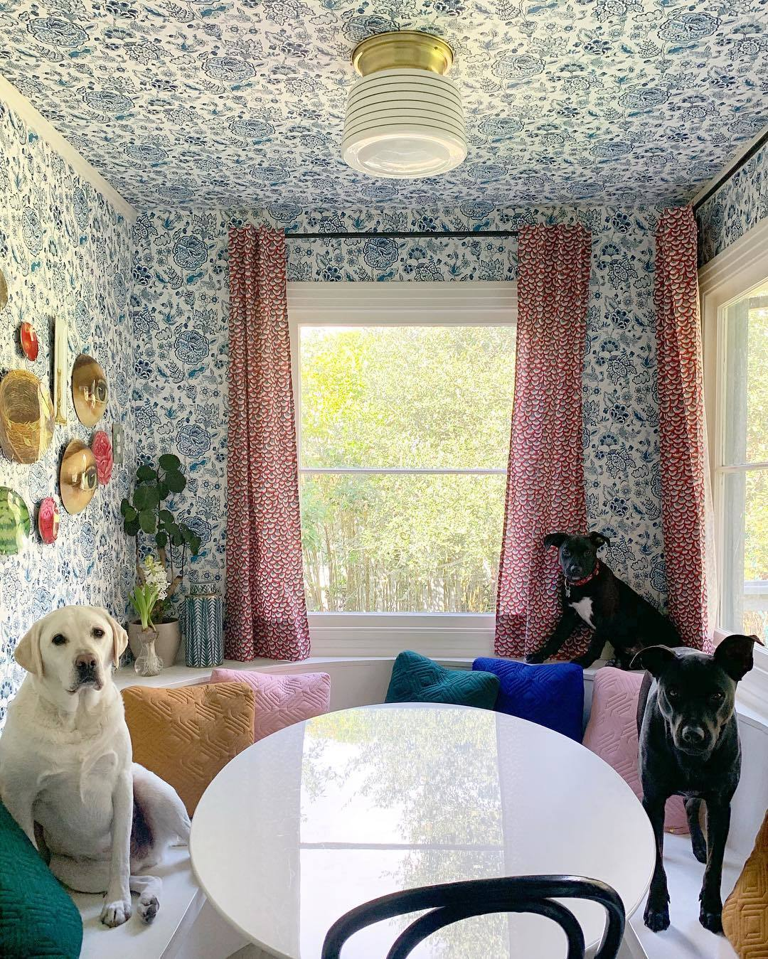 Wallpapered Nooks Roundup | Florebela Navy wallpaper | Tilton Fenwick | Hygge & West