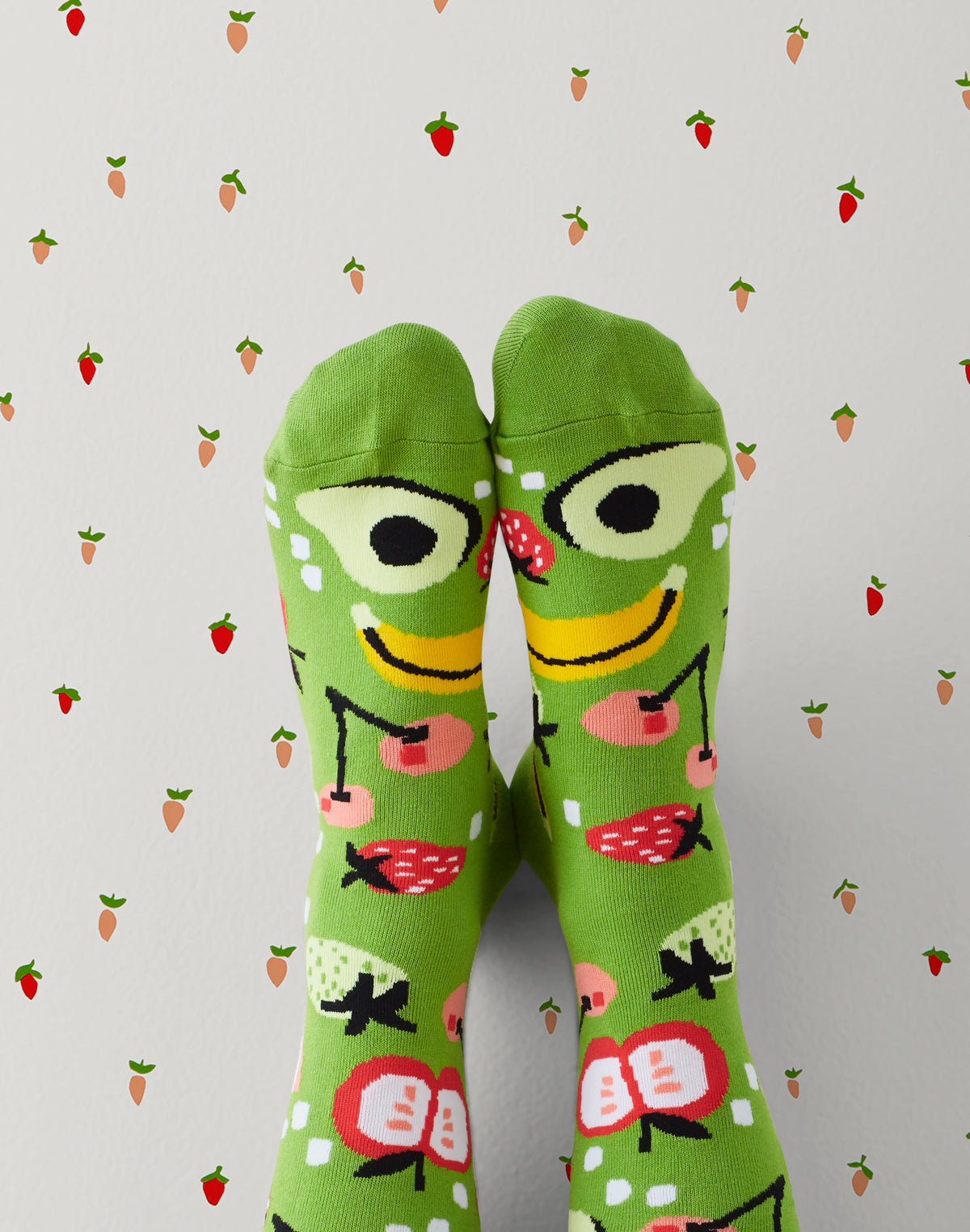 Strawberries Wallpaper with Fruity socks