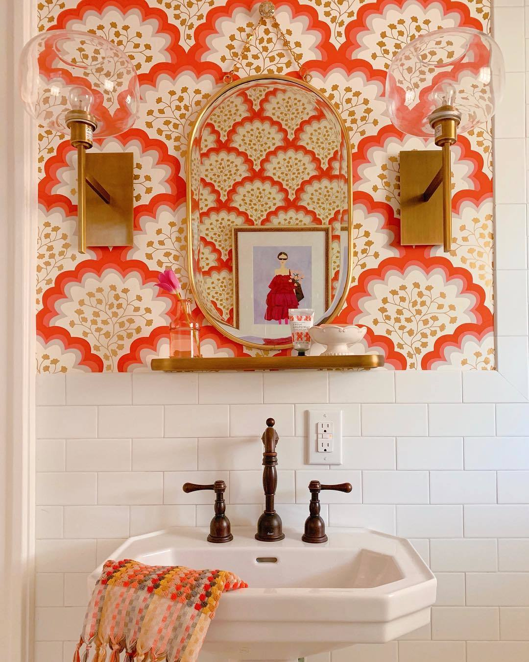 Bold Patterns | Angelina Coral wallpaper | Tilton Fenwick | Hygge & West