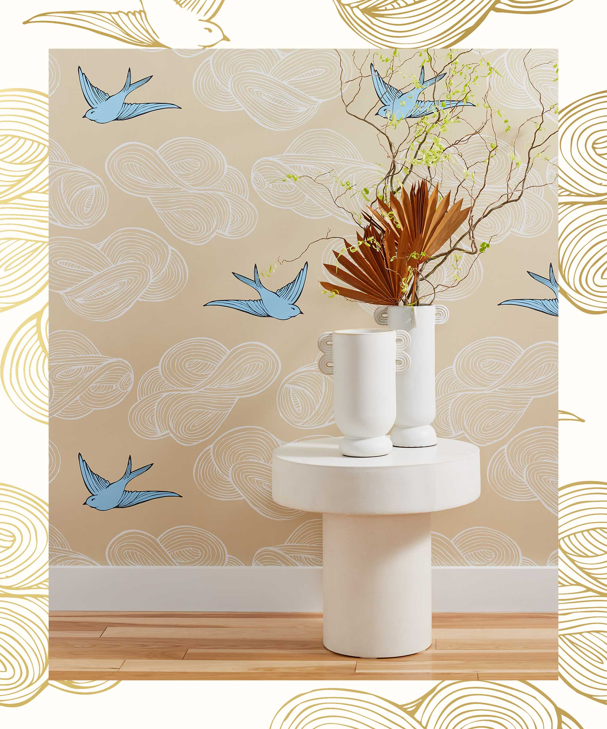 Traditional Wallpaper in Daydream Cream